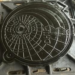 Bộ nắp hố ga khung vuông âm nắp tròn MACCO TP-KANT-01 (E-600)